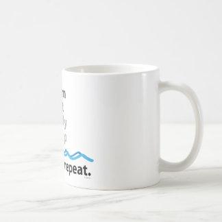 Le bain, mangent, étudient, dorment… rinçage et mug