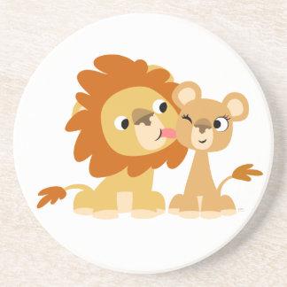 Le baiser : Caboteur mignon de couples de lion de  Dessous De Verre