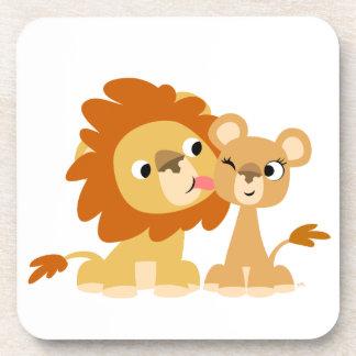 Le baiser : Caboteurs mignons de couples de lion d Dessous-de-verre