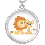 Le baiser : Collier mignon de couples de lion de b