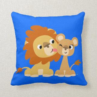 Le baiser : Coussin mignon de couples de lion de