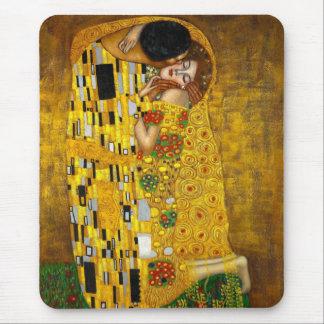 Le baiser par Gustav Klimt Tapis De Souris