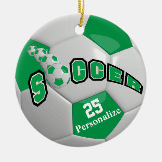 Le ballon de football vert | personnalisent ornement rond en céramique