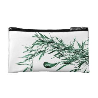Le bambou vert de Jitaku part du sac cosmétique