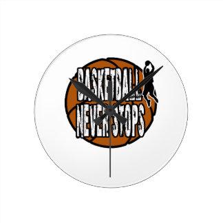 Le basket-ball ne s'arrête jamais horloge ronde