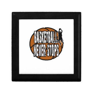 Le basket-ball ne s'arrête jamais petite boîte à bijoux carrée