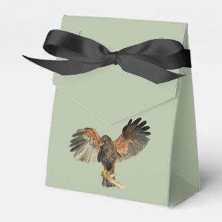 Le battement de faucon s'envole la peinture boites de faveur