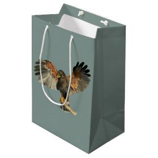 Le battement de faucon s'envole la peinture sac cadeau moyen