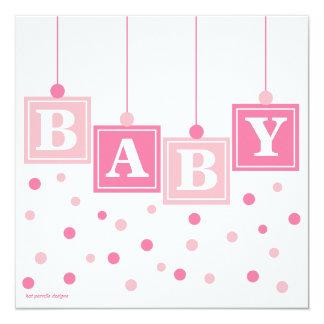 Le BÉBÉ bloque assez dans le baby shower rose de Carton D'invitation 13,33 Cm