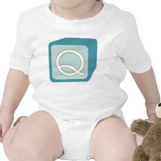 Le bébé bloque des initiales graphiques en bois barboteuse