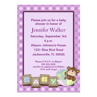 Le bébé bloque le baby shower - pourpre carton d'invitation  12,7 cm x 17,78 cm