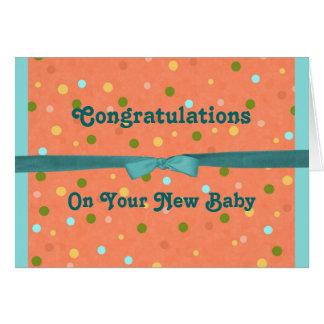 Le bébé bouillonne des félicitations sur votre carte de vœux
