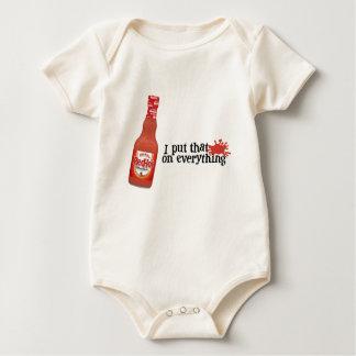 Le bébé d'un rouge ardent T de Frank Body