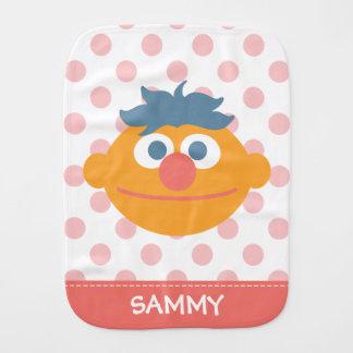 Le bébé Ernie font face à   ajoutent votre nom Linge De Bébé
