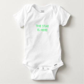 Le bébé se développent - la 'étoile est here t-shirt