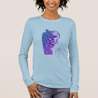 le bella des femmes, longue chemise de douille de t-shirt à manches longues