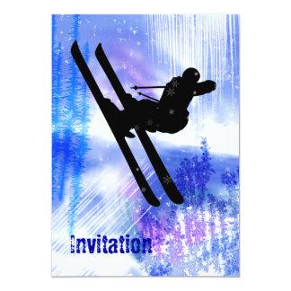 Le bleu et le blanc éclabousse du saut à skis carton d'invitation