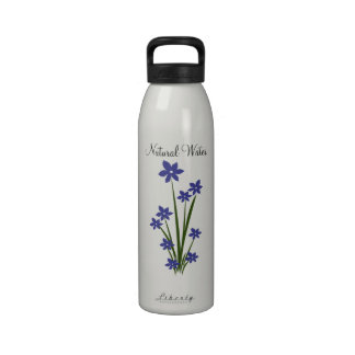 Le bleu fleurit la bouteille d'eau