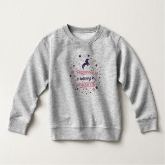 Le bonheur drôle croit au sweatshirt de licorne
