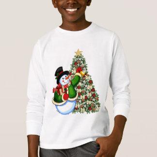 Le bonhomme de neige de Noël badine le T-shirt de