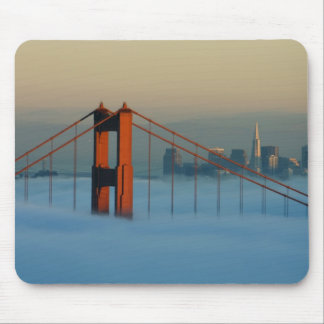 Le brouillard roule par San Francisco Bay Tapis De Souris