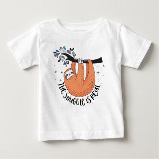 Le câlin est vrai t-shirt pour bébé