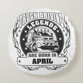 Le camion conduisant des légendes sont né en avril coussins ronds