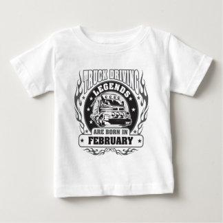 Le camion conduisant des légendes sont né en t-shirt pour bébé