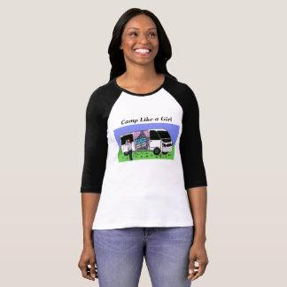 Le camp aiment un T-shirt de fille