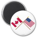 Le Canada et les drapeaux croisés par Etats-Unis Magnets