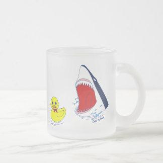 Le canard et la tasse de requin