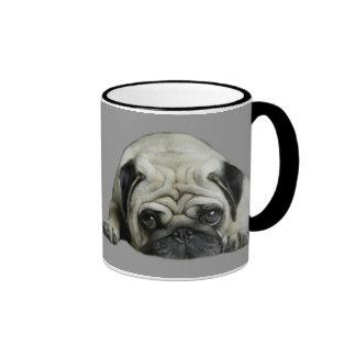 Le carlin rien meilleur que le carlin étreint la mug ringer
