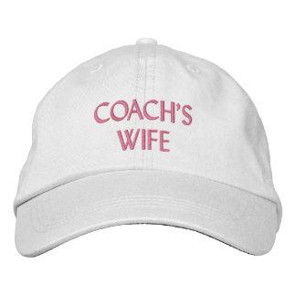 Le casquette brodé par épouse de l'entraîneur