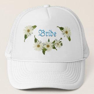 Le casquette de la jeune mariée de groupe de