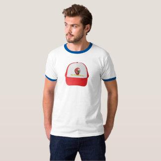 Le casquette de PriceMaster sur le T-shirt