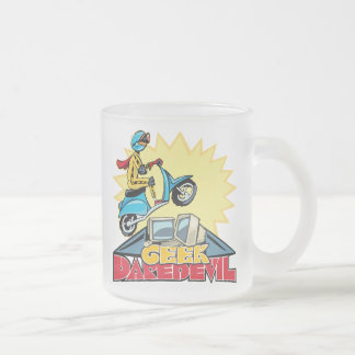 Le casse-cou de geek sautent mug en verre givré