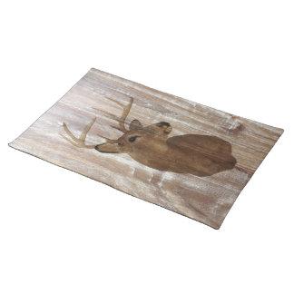 le cerf commun en bois rustique de grain la chasse sets de table