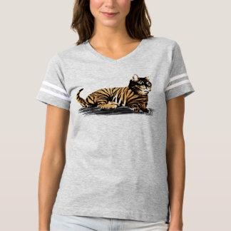 Le chat sauvage frais a conçu le T-shirt