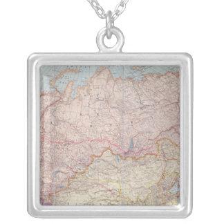 Le chemin de fer sibérien pendentif carré