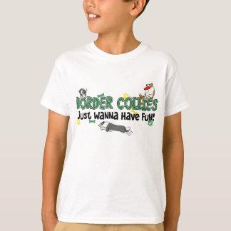 Le chien de border collie folâtre le T-shirt