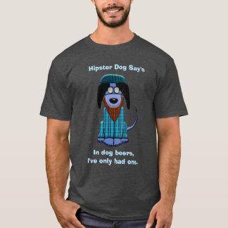 Le chien de hippie indique t-shirt