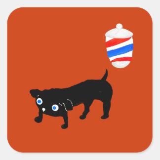Le chien noir du coiffeur sticker carré