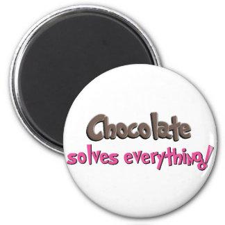 Le chocolat résout tout ! magnet rond 8 cm