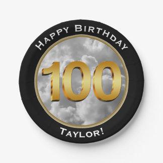 Le ciel opacifie l'un centième 100th anniversaire assiettes en papier