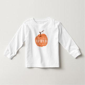 Le citrouille le plus mignon dans la chemise t-shirt pour les tous petits