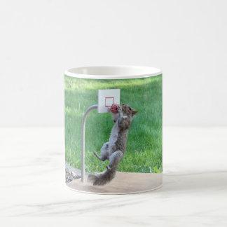 Le claquement d'écureuil trempent mug