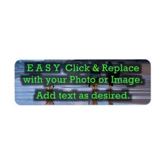 Le clic facile et remplacent l'image pour créer étiquette d'adresse retour
