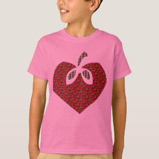 Le coeur de fraise badine le T-shirt