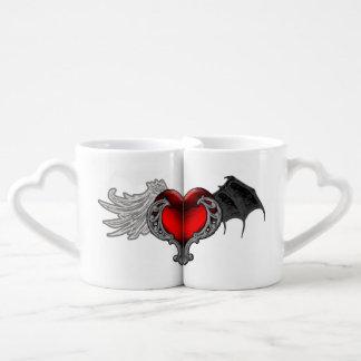 Le coeur de Goth avec des ailes de batte, ange Mugs Amoureux
