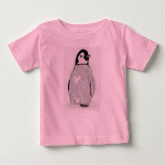 Le coeur de pingouin badine Noël d'anniversaire de T-shirts